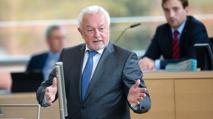 Kubicki war 25 Jahre lang Mitglied des Landtags Schleswig-Holstein.