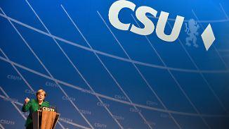 Schwarze Pflöcke und Rote Fäden: Union demonstriert Einigkeit, Schulz will neuen Stil