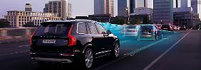 In moderneren Autos hilft die Elektronik auch bei der Staufahrt.