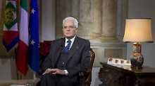 Berlusconis Bündnis vorn: Italiens Präsident löst Parlament auf
