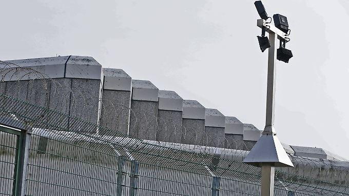 Die Berliner CDU fordert nach den erneuten Gefängnisausbrüchen einen Rücktritt des Senats.