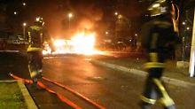 Frankreich in der Silvesternacht: Brennende Autos, Angriffe auf Polizisten