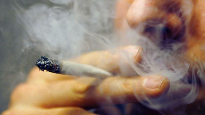 Harmlos oder Einstiegsdroge? Haschisch und Marihuana sorgen immer noch für Diskussionen.