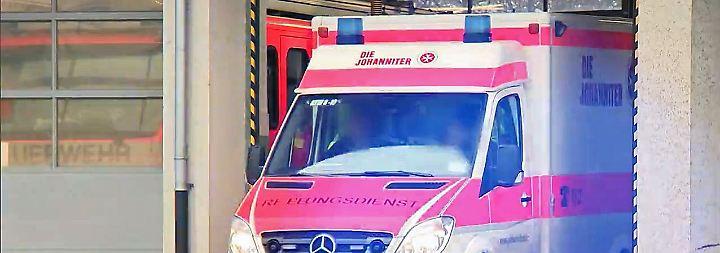 Skandalöser Rettungsdienst: Sanitäter soll Patienten bestohlen haben
