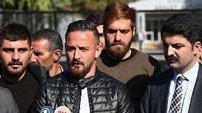 """Fußballer """"Staatsfeind"""" der Türkei: Unbekannte beschießen wohl Deniz Naki auf Autobahn"""