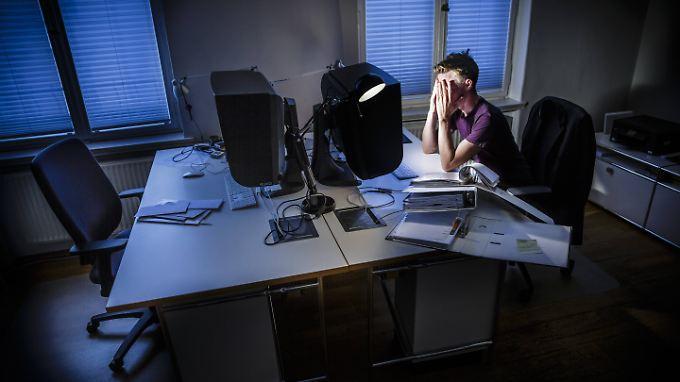 Wer sich Nachtschichten um die Ohren schlägt erhöht das Risiko, an Krebs zu erkranken.
