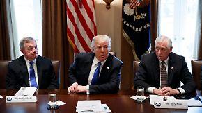 """Trump reist zum Weltwirtschaftsforum: Bannon gibt Posten bei """"Breitbart"""" auf"""