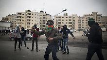 """Laut Hamas sei der Angriff auf den Rabbiner """"eine Antwort auf die Verbrechen gegen unser Volk im Westjordanland""""."""