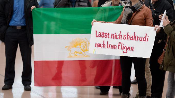 Verschiedene Partien versuchten Schahrudis Ausreise zu verhindern, darunter auch Grünen-Politiker Volker Beck.