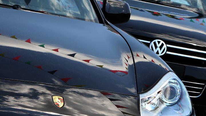 Der VW Touareg und Porsche Cayenne gehören zu den Modellen, die der Hersteller nun in Kanada zurücknimmt.