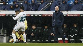 Real-Coach Zinedine Zidane sah, wie sein Team dominierte - und trotzdem verlor.
