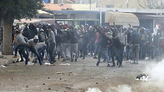"""""""Wir sind hier alle bettelarm"""": Tunesier demonstrieren gegen Preisexplosion"""