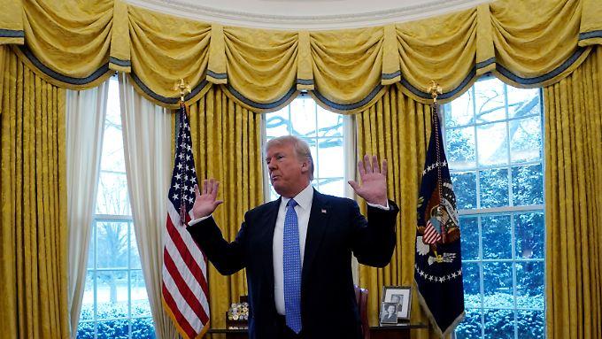 Donald Trump am Mittwoch bei einem Interview mit Reuters-Journalisten im Weißen Haus.