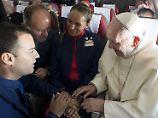 Jawort in 11.000 Metern Höhe: Papst traut Stewardess und Steward auf Flug