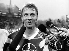 Willkommen in der Bundesliga: Andreas Thom.