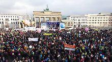 Demonstration in Berlin: Zehntausende fordern Wende in Agrarpolitik