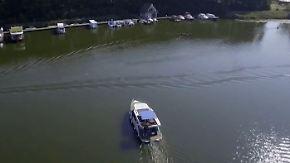 """Schwimmende Häuser auf  der """"Boot"""": """"Wie campen, nur auf dem Wasser"""""""