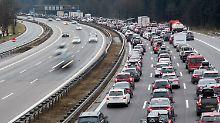 Mehr Autos, rege Bautätigkeit: 1,45 Millionen Kilometer Stau im Land