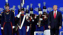Vor der Rede Donald Trumps gab es in Davos Musik.