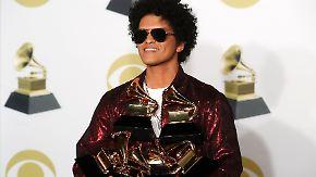 Gala mit Welpen und seltenem Auftritt: Bruno Mars ist der große Gewinner bei den Grammys