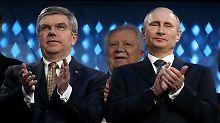 Wer wusste was? Thomas Bach und Wladimir Putin Ende Februar 2014 bei der Schlussfeier in Sotschi.