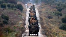Kämpfe in Syrien: Ein türkischer Militärkonvoi ist  unter Beschuss der syrischen Regierungstruppen gekommen und dadurch zur Umkehr gezwungen worden.