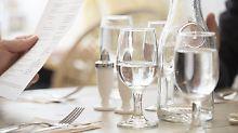 Der durstige Gast: Kostenloses Leitungswasser im Restaurant?