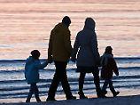Neue Zahlen des Bundes: Mehr und mehr Kindergeld geht ins Ausland