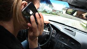 n-tv Ratgeber: So wird das Handy am Steuer jetzt bestraft