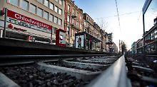 Täter in Köln auf der Flucht: Polizist vor Bahn geschubst und getötet