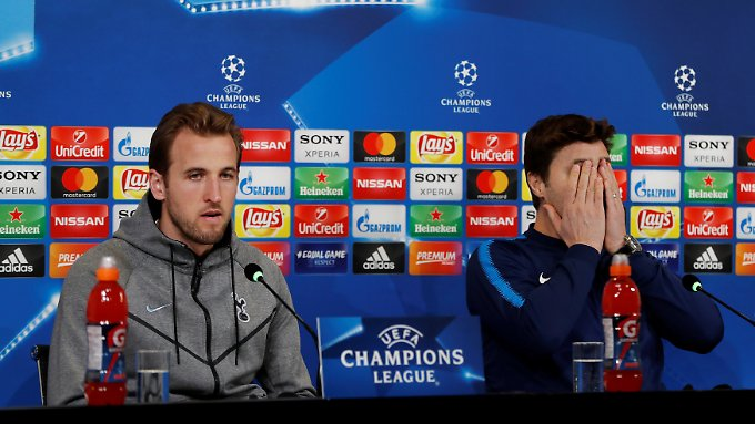 Sein Sturmstar Harry Kane gegen Juve-Abwehrkante Giorgio Chiellini - da mag Tottenhams Coach Mauricio Pellegrini gar nicht hinschauen.