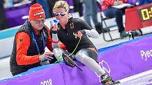 """Die 45 Jahre alte Pech-Marie Pechstein gibt sich nach dem Rennen - mit achtem Platz und trotz Inhalator in der Hand - aber kämpferisch: """"Ich habe es  versucht, jetzt greife ich in vier Jahren noch mal an."""""""
