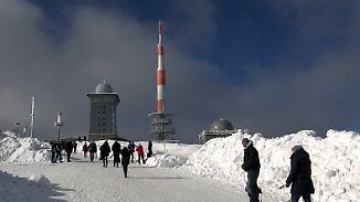 Keine Angst vor Frostbeulen: Traumhafte Wintertage locken Menschen nach draußen