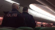 """Streit im """"Stinkeflug"""": Furzender Passagier löst Notlandung aus"""