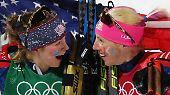Zweisamkeit: Jessica Diggins und Kikkan Randall dominieren im Langlauf-Teamsprint.