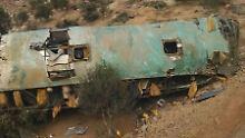Sturz in 80 Meter Tiefe: 44 Menschen sterben bei Busunglück in Peru