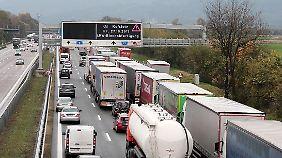 Am Brenner staut sich regelmäßig der Verkehr.