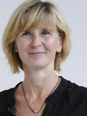 """Expertin für die """"Entsorgung von Abfällen aus Einrichtungen des Gesundheitsdienstes"""": Tide Voigt, Gefahrgutbeauftragte der Berliner Charité."""