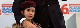 """""""Soldaten weinen nicht"""": Erdogan tadelt weinendes Mädchen"""