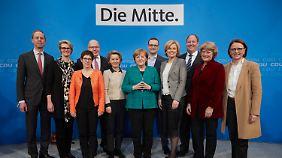 Neues CDU-Ministerteam: Merkel verjüngt Kabinett und sorgt für Überraschung