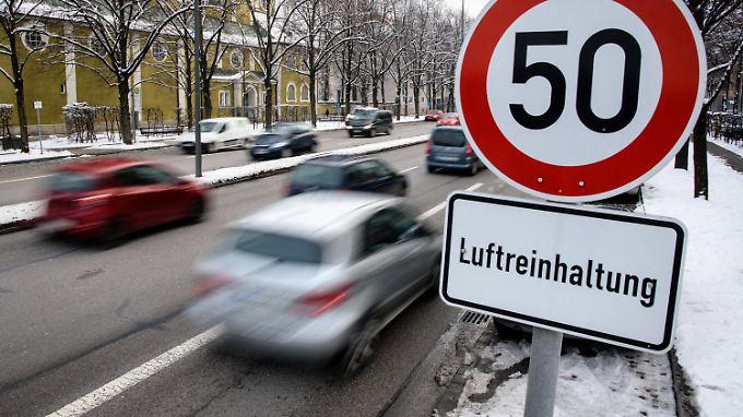 Mögliche Fahrverbote sollen dazu dienen, die Luftreinhaltepläne in Städten zu erfüllen.