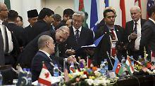 Friedenskonferenz in Kabul: Präsident bietet Taliban Waffenruhe an