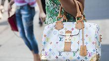 """Handtaschen digital besitzen: """"Blockchain wird Modewelt revolutionieren"""""""
