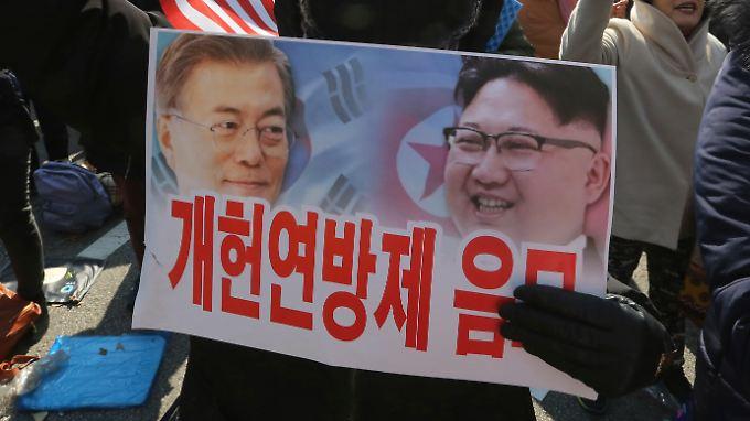 Vor wenigen Tagen protestierten Tausende Menschen gegen eine weitere Annäherung von Nord- und Südkorea.