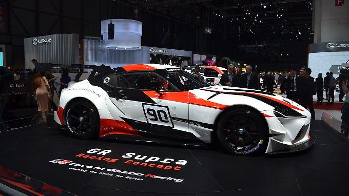 Noch ist der Toyota Supra eine Studie für die Rennstrecke. Die Züge der Serie sind aber schon deutlich zu erkennen.