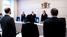 Keine Diskriminierung: Gericht weist Klage gegen Kopftuchverbot ab