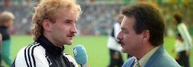 29. Mai 1994: Da hat Rudi Völler noch gespielt. Und das Verhältnis zu Waldemar Hartmann war noch in Ordnung.