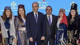 Numan Kulturmus, Tourismusminister der Türkei, auf der Reisemesse ITB.