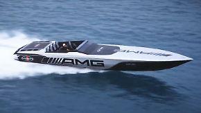"""Mercedes-AMG sucht neues Element: """"Project One""""-Boot rast mit 230 km/h übers Wasser"""