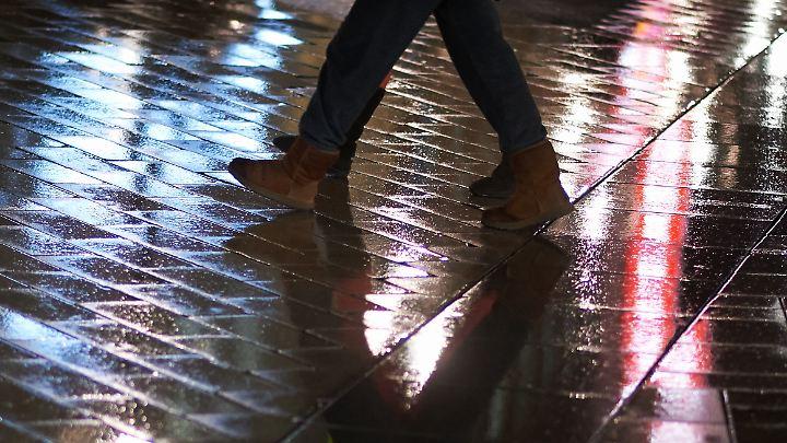 Die Polizei sucht nach Zeugen, die den Vorfall in der Essener Innenstadt beobachtet haben.